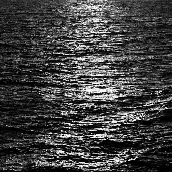 Il mare unisce, il mare divide ©Germano Serafini